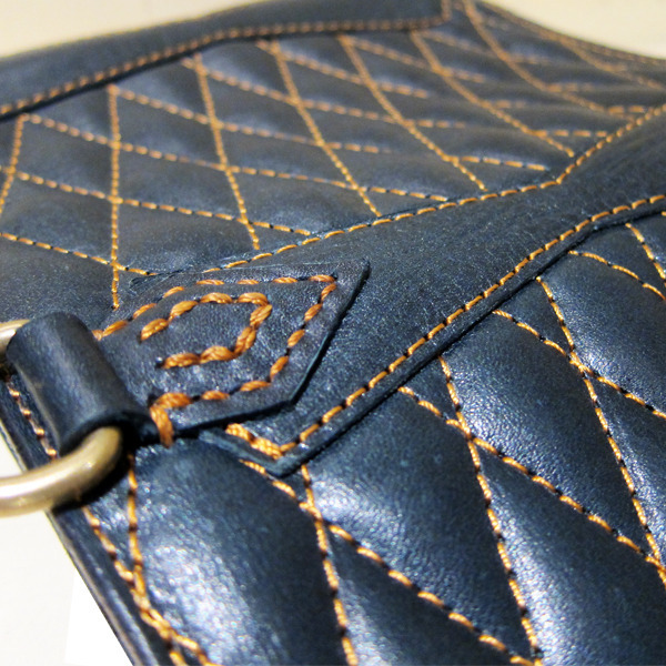 13-ACL004-quilting-leather-wallet-type2-NV-3.jpg